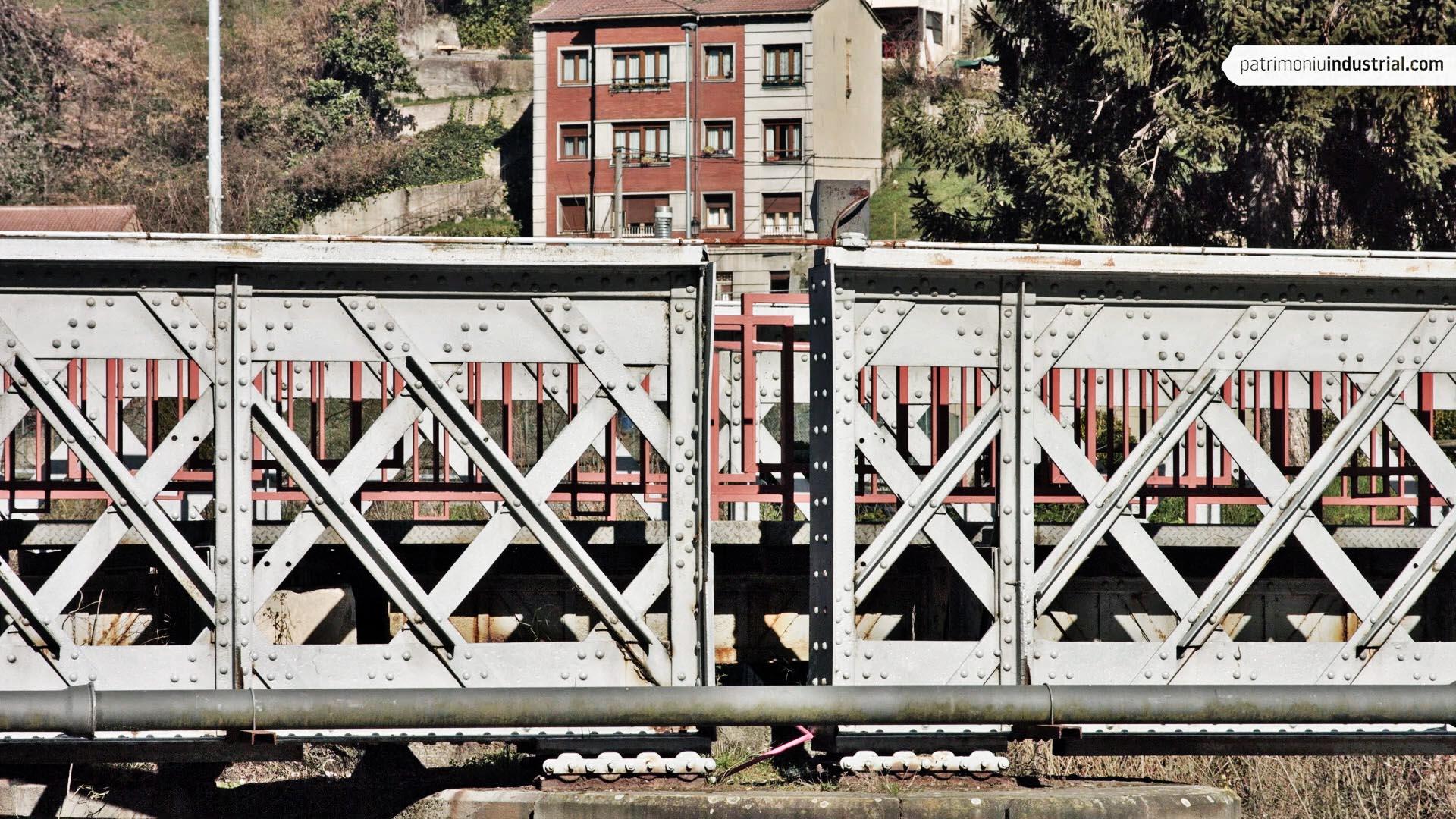 Puente Carrocera (El Entrego, Asturias)